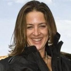 Alison B Lowndes